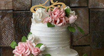 Весільний торт як традиційний десерт церемонії
