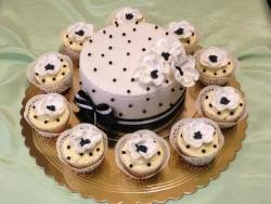 Особливості та переваги тортів на замовлення